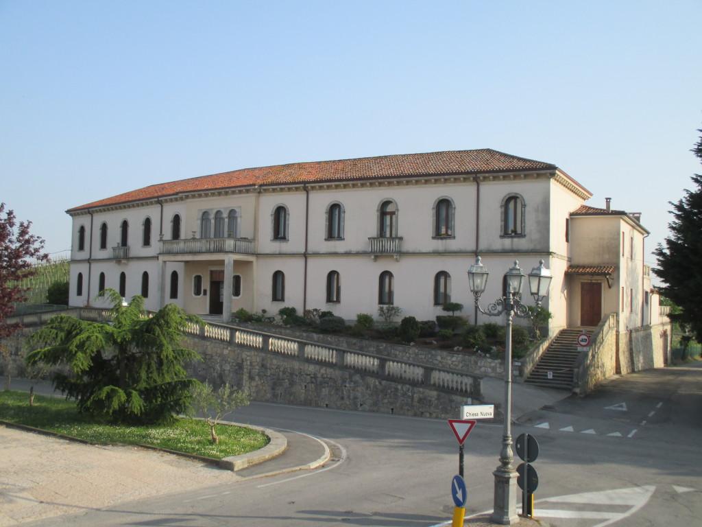 """La facciata nord della nostra scuola dell'infanzia """"Mons.L.Zanellato"""